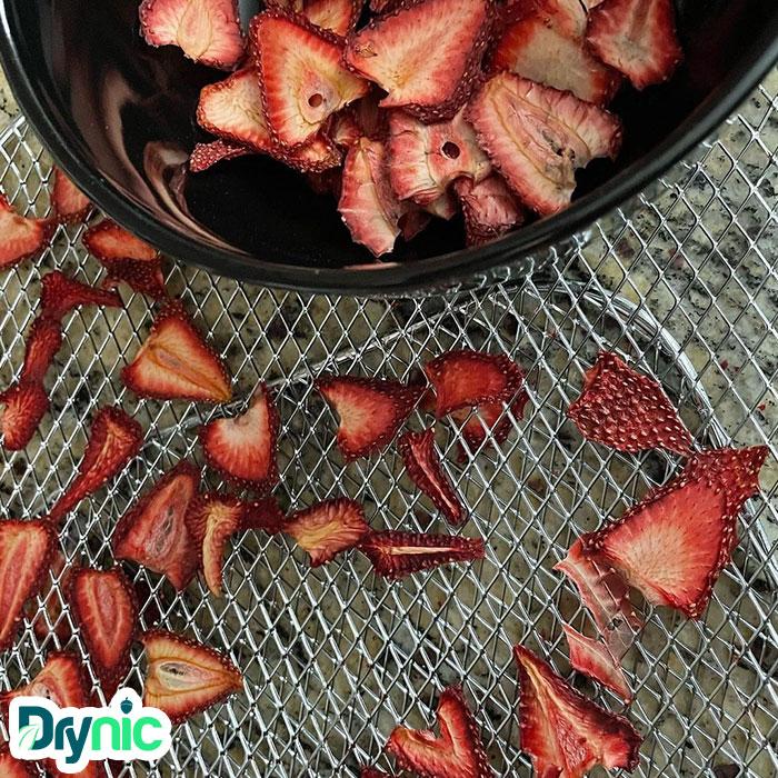 خشک کردن توت فرنگی